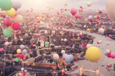 Find images and videos about city, london and balloons on We Heart It - the app to get lost in what you love. Best Friend Bucket List, Best Friend Goals, Balloons Tumblr, We Heart It, Tumblr Image, London England, Find Image, Beautiful Places, Lovely Things
