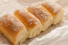 .: PAN CASERO SENCILLO Pan Bread, Bread Baking, Beignets, Bread Recipes, Cooking Recipes, Venezuelan Food, Sweet Dough, Salty Foods, Pan Dulce