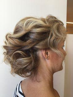 Un look  speciale per un occasione speciale! #acconciaturemoda #wedding #hairstyle #intrecci