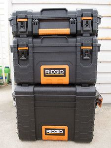 Three-tier wheeled tool box from Home Depot. The bottom will contain the power source, the center section the radios and the top section storage for cables, etc. Pelican Case, Solar Generator Diy, Ham Radio Kits, Tool Box On Wheels, Ridgid Tools, Ammo Storage, Radio Usa, Go Kit, Fishing