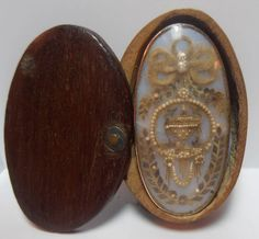 """LOVELY GEORGIAN MOURNING BROOCH WITH HAIR & PEARLS IN TINY KEEPSAKE TREEN BOX, measures 1 & 1/4"""" long 