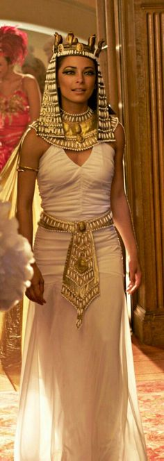 Lana Lang / Kristin Kreuk she is so pretty! Egyptian Fashion, Egyptian Women, Egyptian Goddess, Kristin Kreuk, Movie Costumes, Couple Halloween Costumes, Mummy Costumes, Woman Costumes, Pirate Costumes