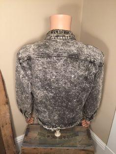 80s Guess Georges Maciano jacket    Acid washed    Guess USA    Black denim  acid washed    Adult size medium Large    denim jacket 3a66a48f7175