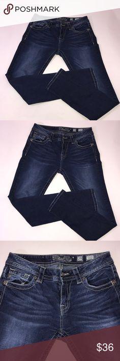 Dark denim mid rise Miss Me Jeans Dark denim mid rise Miss Me Jeans  Inseam 29 Length 38 1/2 Great condition Miss Me Jeans Skinny
