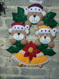 Felt Christmas Decorations, Christmas Art, Handmade Christmas, Christmas Wreaths, Christmas Ornaments, Paper Butterfly Crafts, Christmas Tree Skirts Patterns, Sea Crafts, Felt Toys