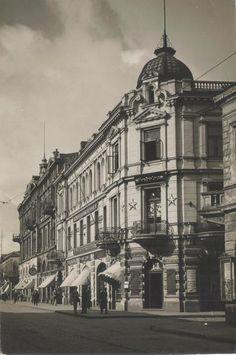 Liepaja, Latvija. Liela street- Šaurā street. Photo-postcard 1939 year. Old Postcards, Photo Postcards, My Heritage, Street Photo, Buildings, Culture, Travel, Viajes, Destinations