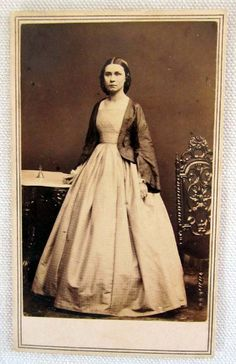 1860s CDV OF PRETTY LADY BY CIVIL WAR PHOTOGRAPHER MATHEW BRADY