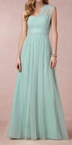 this #bridesmaid dress can be worn 15 different ways  http://rstyle.me/n/evmkdpdpe