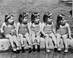 Dionne Quintuplets Cute In Swimsuits! 8x10 Reprint Of Old Photo