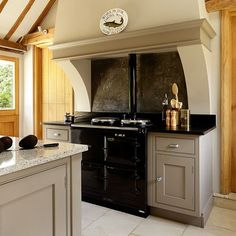 Country kitchen pictures and photos for your next decorating project. Find inspiration from of beautiful living room images Range Cooker Kitchen, Modern Country Kitchens, Kitchen Redesign, House Design Kitchen, Country Kitchen, Home Kitchens, Kitchen Pictures, Kitchen Style, Kitchen Chimney