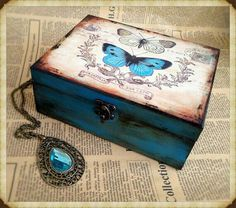 Ideas For Jewerly Box Handmade Shabby Chic Decoupage Box, Decoupage Vintage, Cigar Box Art, Shabby Chic Boxes, Painted Wooden Boxes, Memories Box, Altered Boxes, Wooden Jewelry Boxes, Personalised Box