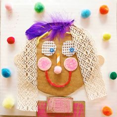 Explore texture with these adorable mixed media collage portraits for kids! Use cardboard as a base & create features with any collage materials on hand. Portraits For Kids, School Portraits, Face Collage, Collage Portrait, Diy Crafts For Kids, Art For Kids, Arts And Crafts, Kids Fun, Kindergarten Art