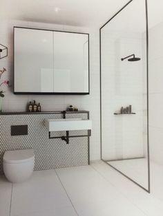 All white bathroom - Best Home Decorating Ideas - Easy Interior Design and Decor Tips Ada Bathroom, Handicap Bathroom, Modern Master Bathroom, White Vanity Bathroom, Minimalist Bathroom, Bathroom Layout, Bathroom Interior, Small Bathroom, Remodel Bathroom