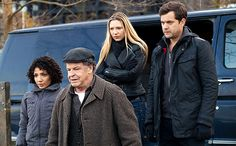 Oh man I'm going to miss this show :( -> 'Fringe' series review: Darker than amber, lighter than air