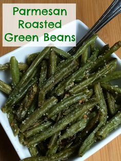 Parmesan Roasted Green Beans are a favorite side dish in our house They go great with both everyday and special occasion dinners and are full of flavor your whole family. Veggie Side Dishes, Vegetable Dishes, Side Dish Recipes, Vegetable Recipes, Vegetarian Recipes, Cooking Recipes, Healthy Recipes, Recipes Dinner, Parmesan Roasted Green Beans