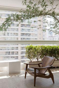 Apartamento Vila Mariana / Paula Magnani Arquitetura @paulamagnani #sala #sacada #living #terrace #outdoor #green #decor