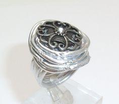 Aluminium-Ring mit Kopfmuster Ring Gr. 18 mm AR102 von Atelier Regina auf DaWanda.com