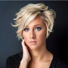 Stylish Short Haircuts for Round Faces