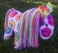 Afrikanische Blume Regenbogen ausgestopften Tieren Pony