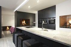 Modern Kitchen Design, Modern Interior Design, Kitchen With Long Island, Living Styles, Living Room Modern, Beautiful Kitchens, Kitchen Interior, Home Kitchens, Kitchen Dining