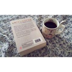 La joie des week end sous la couette 📖☕ que demander de plus ?! ❤ #read #book #automne #autumn #season #likeforlilke #followforfollow #outlanderstarz #outlander #coffee #coffeetime #2k16 #planeteig10 #sohappy #goodweekend #wonderfulllife #iloveread #jamiefraser #clairefraser #love #medievalstory