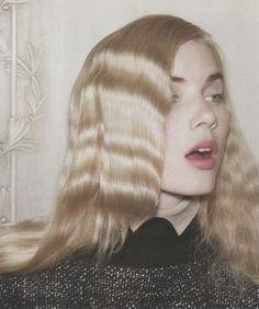 63 Ideas For Fashion Editorial Hair Runway Hair Inspo, Hair Inspiration, Short Grunge Hair, Crimped Hair, Crimped Waves, Wavy Hair, Runway Hair, Editorial Hair, Dream Hair