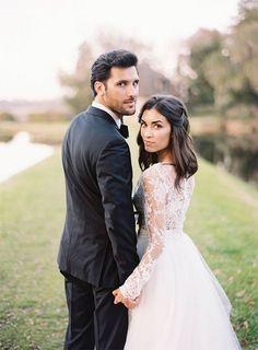 Bride and groom wedding photography ideas 21