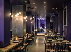 DUDU31 – Traditionelle vietnamesische Küche modern interpretiert und kombiniert mit westlicher Kultur, dafür steht der Familienbetrieb Dudu, benannt nach dem vietnameischen Spitznamen des Kopfes der Familie. DUDU31 ist der neue Ort für extravagantes Sushi oder typisch traditionelle Küche in Berlin City West, im Haus Bleibtreu Hotel.