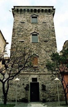 Lavagna-torre del borgo