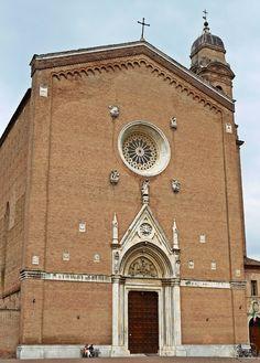 La facciata della Basilica di San Francesco. Foto di Exmam su http://www.flickr.com/photos/37456463@N03/8620578008