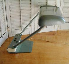 Vintage-Retro-Industrial-Age-Mid-Century-Green-Metal-Flourescent-Desk-Lamp