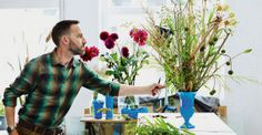Frank Bruggeman, olandese di Noordoostpolder, quarantasei anni e un lavoro atipico. Fiorista? Designer? Se gli chiedi che lavoro fa, ti risponde... «In un certo senso l'artista».