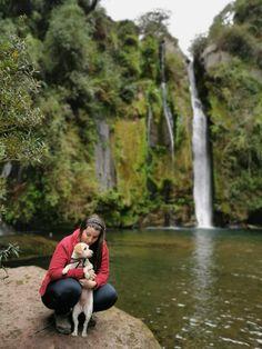 Cómo llegar a la Cascada Las Buitreras en el Maule - Viajando con la Dani Region Del Maule, Dani, Peru, Chile, Couple Photos, Couples, The World, Walks, Waterfalls