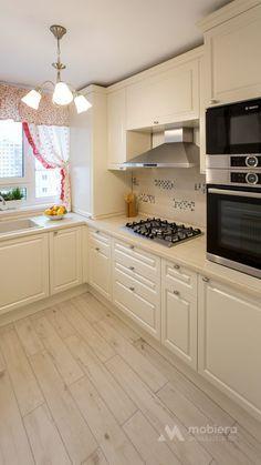 Mobila bucatarie clasica L-Shape Minimal Kitchen Design, Kitchen Pantry Design, Diy Kitchen Storage, Home Decor Kitchen, Interior Design Kitchen, New Kitchen, Home Kitchens, Modern Kitchen Interiors, Cuisines Design