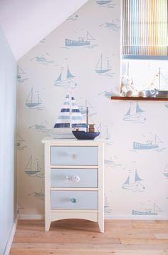 Harlequin Kindertapete Sailing rauchblau 'All about me' - im Fantasyroom Shop online bestellen oder im Ladengeschäft in Lörrach kaufen. Besuchen Sie uns!