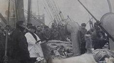 Photo shows Titanic bodies burial