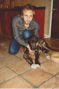 John Entwistle and his dog Fitz Great Bands, Cool Bands, John Entwistle, Pete Townshend, Just Beautiful Men, British Invasion, Lady And Gentlemen, Classic Rock, Rock N Roll