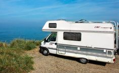Vacation, Mobile Home, Camper On The Beach, Beach Camping Survival, Camping Hacks, Survival Bow, Rv Travel, Family Travel, Strand Resort, Astuces Camping-car, Delta Del Ebro, Motorhome Accessories