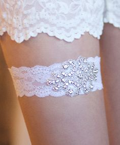 Wedding garter. this one is pretty!