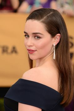 Emilia Clarke at the 2015 SAG Awards in Cartier jewels.