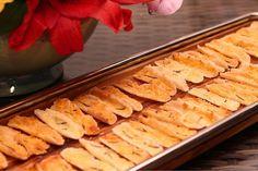 Beiju de Tapioca, Manteiga de Alecrim e Parmesão
