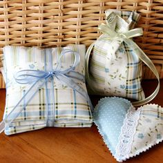 Great tutorial on making Fabric Sachets that would be great for gifts
