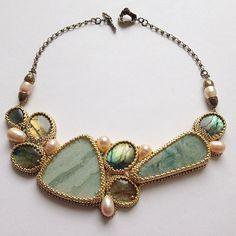 """И еще такой ракурс))) Колье """"Немного солнца в холодной воде"""" (#яшма, #лабрадориты, натуральный речной #жемчуг, авторская #бронза @annabronze , ювелирный японский бисер, позолоченная фурнитура (США)) ПРОДАЕТСЯ. Подробности 89196260347 (вотсап, вайбер). #handmade #jewelry #necklace #beauty #bedwork #jasper #labradorite #bronze #girl #shop #ручная_работа #ручнаяработа #украшенияручнойработы #украшения #украшенияназаказ #девушки #колье #кольеручнойработы #вышивка #купить #продается #красота"""