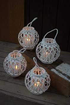Gwg Outlet Round White Willow Lantern With Glass Insert Large Christmas Lights Wedding, Diy And Crafts, Arts And Crafts, Handmade Crafts, Hanging Room Dividers, Bamboo Crafts, Paper Weaving, Newspaper Crafts, Christmas Crafts