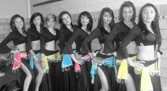 integrantes del grupo de danza arabe del Liceo 2012