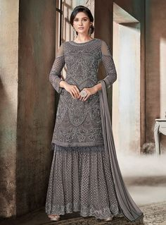 Grey Glam Multi Embroidered Flared Gharara Suit in 2019 Gharara gray color sharara - Gray Things Trajes Pakistani, Pakistani Suits, Pakistani Dresses, Indian Dresses, Indian Outfits, Designer Salwar Kameez, Indian Salwar Kameez, Sharara Designs, Sarara Dress