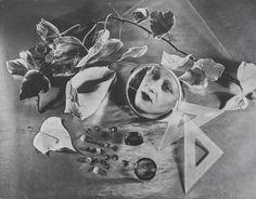 """Una tríada parcíal. En su recorrida por la muestra, el escritor Sergio Chejfec eligió tres de las fotografías que le parecieron más representativas del trabajo de ambos fotógrafos: """"Autorretrato"""" de Grete Stern (1943)"""