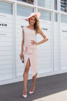 What they wore: Oaks Day 2014 gallery - Vogue Australia Race Day Outfits, Derby Outfits, Race Day Fashion, Races Fashion, Women's Fashion, Tea Party Attire, Oaks Day, Dresses For The Races, Spring Racing Carnival