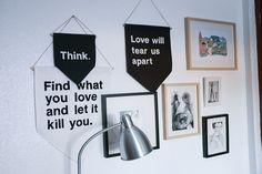 """Image of """"Love will tear us apart"""", banderín grande."""