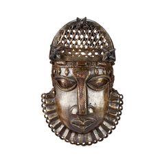 Edo Uhunmwun Ekue (Human Hip Pendant), Benin, Nigeria http://www.imodara.com/item/nigeria-edo-uhunmwun-ekue-hip-pendant-human/